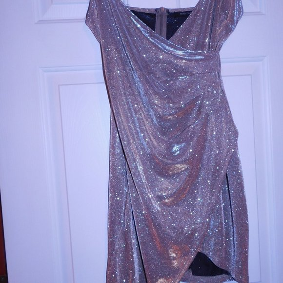 mind code Dresses & Skirts - MIND CODE- SIZE S/M GOLD PARTY DRESS